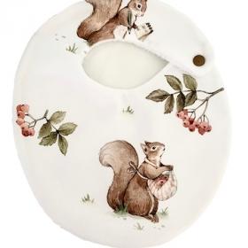bavoir écureuil regarde