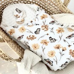 Bonjour, Je continue de vous montrer les créations de la collection «belle automne» Sur la photo la gigoteuse emmaillotage avec minky blanc cassé. Magnifique n'est-ce pas ? 🍂  🍂 #couverturebebe #gigoteuse #listedenaissance #babyshower #cadeaudenaissance #nouveauné #baby #bebe #fleurs #faitmain