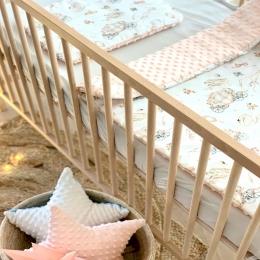Quelque chose pour les petites princesses 👸👸👸 • • • #couverturebebe #princesse #babygirl #bebe #futureparents #futuremaman #mummy #mumlife #faitmain #minky #listedenaissance #cadeaubebe #babygifts