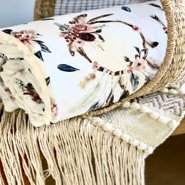 Bonjour, J'ai remis en stock les couvertures «attrape rêve» minky blanc cassé et sépia rose. Cette semaine je vais remettre quelques couvertures d'été «bambi» et également les tapis de change «bambi» Il y aura encore des nouveautés dans les couvertures d'été mais j'attends toujours la livraison des tissus, surtout le double gaze c'est looooong.....😅 Bonne semaine à toutes et à tous • • • #couverturebebe #babyblanket #pourbebe #attrapereve #creationbebe #enceinte #femmeenceinte #pregnant #mumtobe2020 #maternité #listedenaissance #cadeaudenaissance #bapteme #babyshower