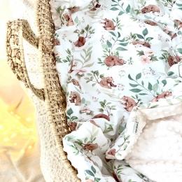 Et voilà une belle couverture «l'ours et la souris» en ligne. Honnêtement je sens qu'elle vous plaira 🥰🥰 moi j'en suis amoureuse 🧡 • • • #couverturebebe #babyblanket #accessoirebebe #listedenaissance #babyshower#pourbebe #enceinte #futuremaman #pregnant #mumtobe #babyroom #chambredebebe #faitmain #creationbebe #grossesse
