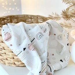 Fais de beau rêve 😴... une nouvelle couverture d'été confectionnée avec le tissu bambou tellement agréable à toucher (malheureusement sur la photo ça ne se voit pas) et avec son motif tellement doux .... • • • #baleine #dormir #dodo #reve #sleeping #baby #newborn #accessoirebebe #douceur #doux #toutdoux #babyblanket #doublegaze #maternité #babyshower